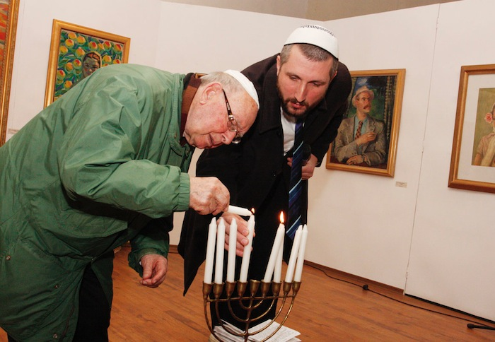 Burgas Synagogue Greets Hanukkah and a Rabbi for the First Time in 70 Years