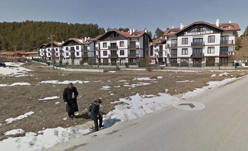 Апартаментният комплекс на видния контраеколог Каролев, който лобира за застрояването на Природен парк Пирин е между Разлог и Банско