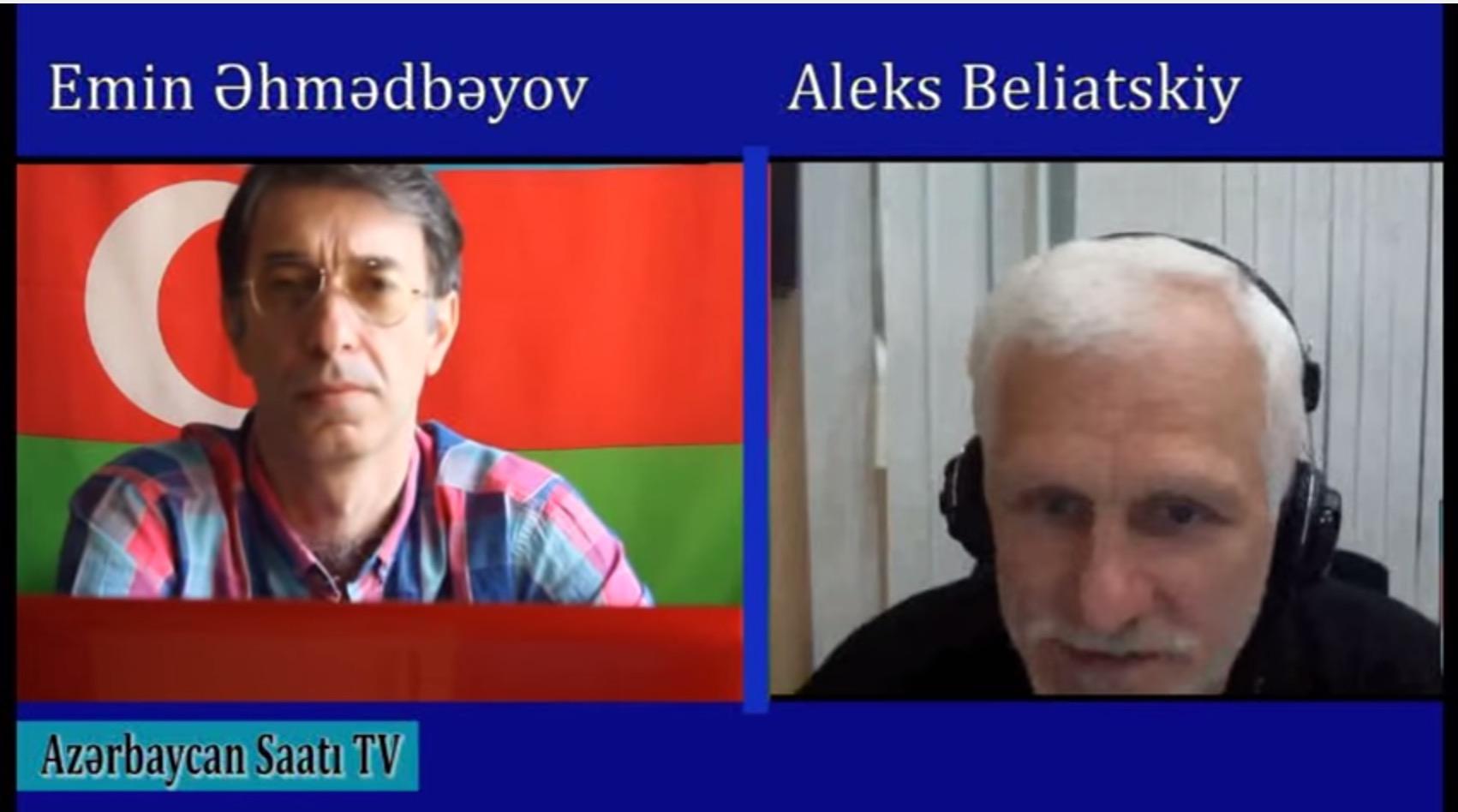 """Емин Ахмедбеков (вляво) е зам.-главен редактор и води рубрика по  телевизия """"Часът на Азербайджан"""""""