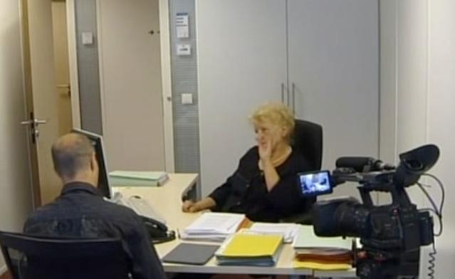 Шефът на борбата със злоупотребите във френската Служба по заетостта показва нагоре, откъдето е наредено да не се занимава с Иван Данов.