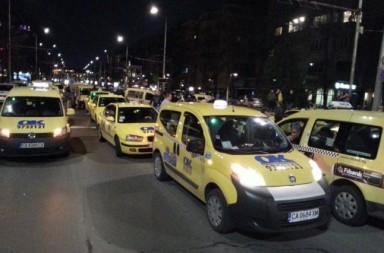 Блокирането на Орлов Мост от такситата. Снимка: БГНЕС