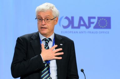 Директорът на OLAF Джовани Кеслер. Снимка: JOHN THYS/AFP/Getty Images)