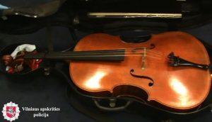 Откраднатото от Насленас виолончело, photo credit: 15min.lt