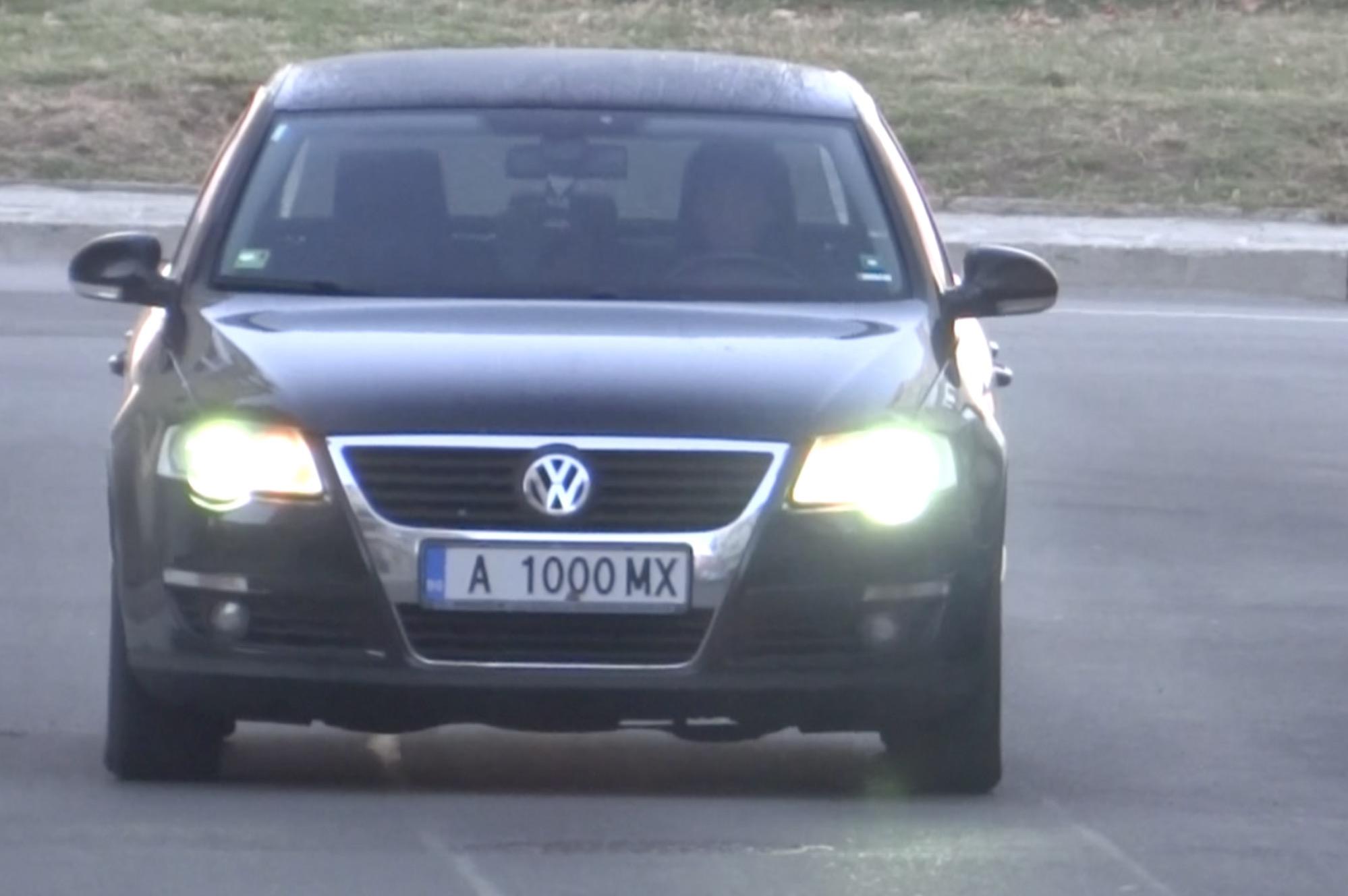 Местен феодал Общински коли и шофьори обслужват кметското семейство в Поморие