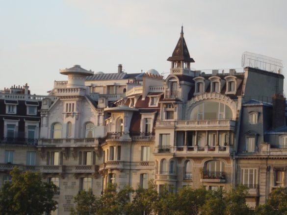 Панамските документи: Васил Божков купил супер скъпи имоти в Париж и самолети чрез офшорки